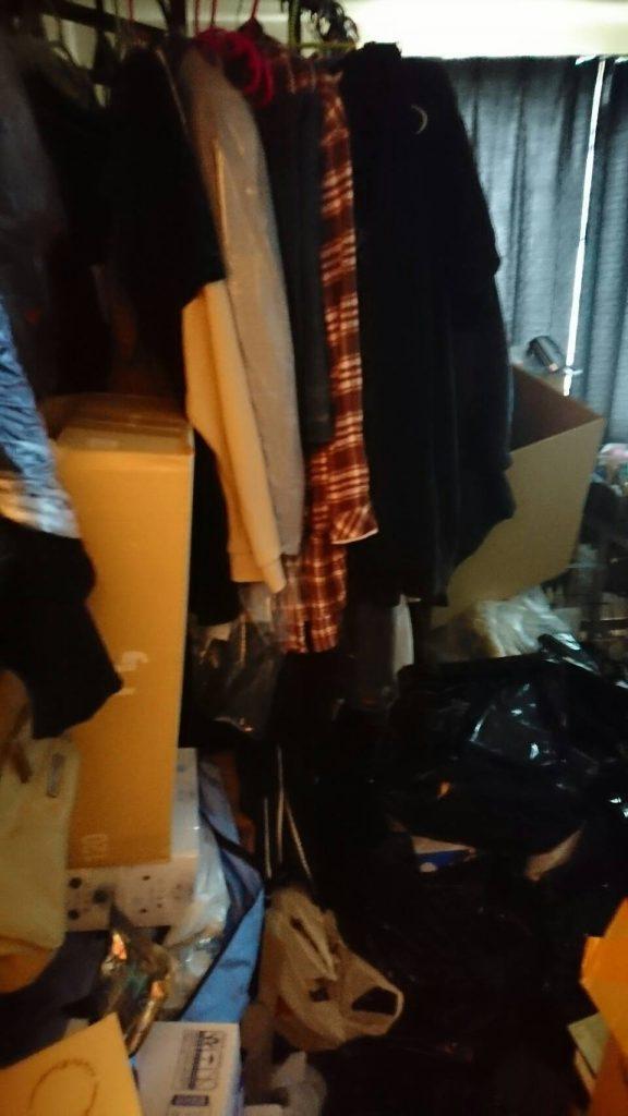 粗大ゴミ片付け_岡山市北区日応寺_片付ける前の寝室