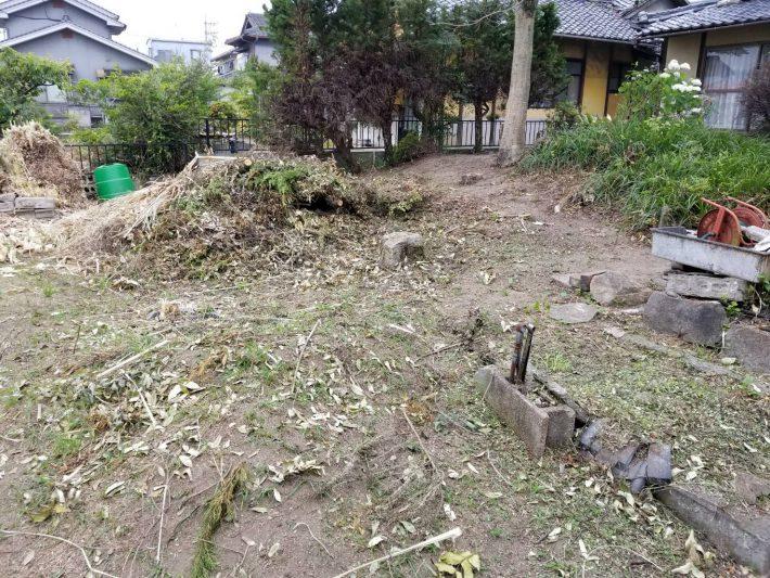 岡山市北区横尾_伐採された庭木を片付けた後