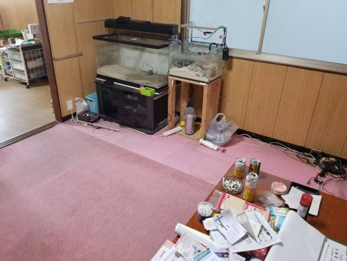 粗大ゴミ片付け_岡山市北区石関町_作業前の居間