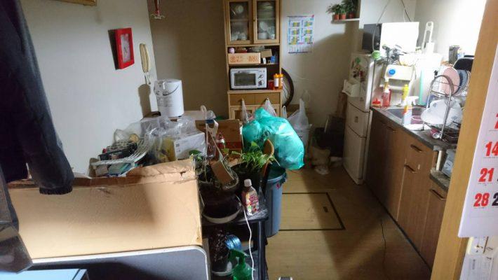 粗大ゴミ片付け_岡山市北区日応寺_片付ける前の台所