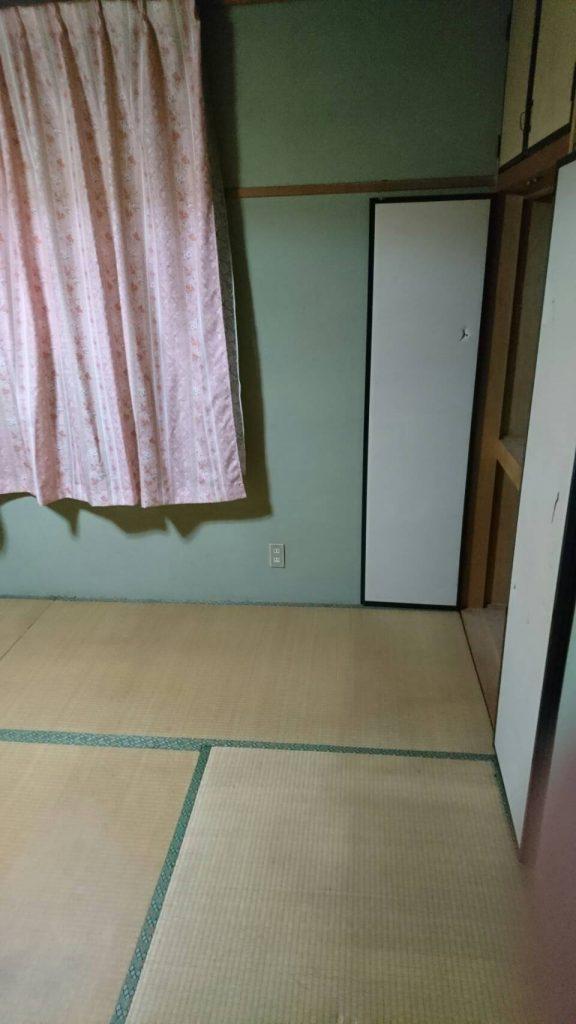 岡山市北区柳町二丁目_粗大ゴミ回収後の寝室